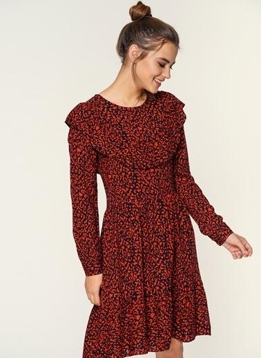 Loves You Eteği Volanlı Emprime Elbise Kırmızı